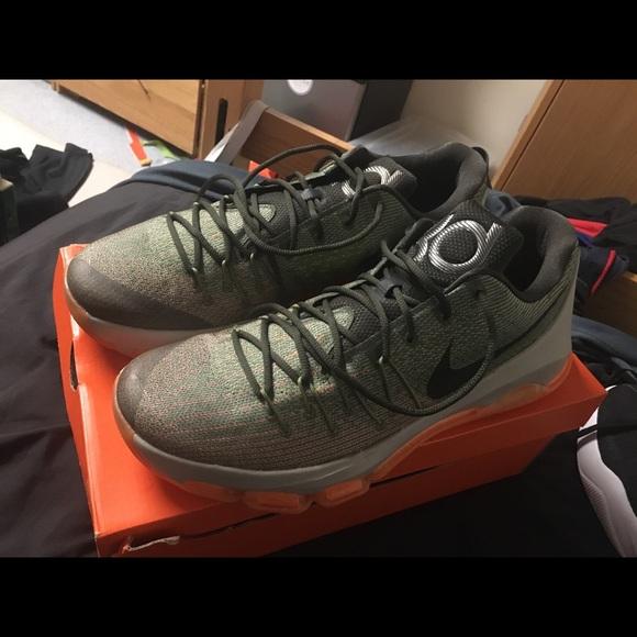 KD 8 Mens Shoe size 15